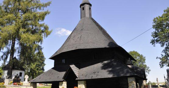 Drevený gotický kostol